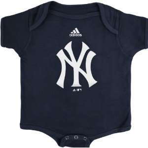 New York Yankees Navy adidas Team Logo Newborn/Infant