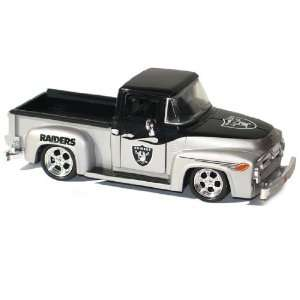 UD Collectibles NFL 1956 Ford F 100 Pick Up Truck Raiders